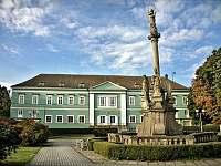 Dačice-10 minut: město, kde vymysleli kostový cukr, zámek, restaurace