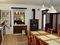 Seknice - vybavená kuchyně s myčkou, indukční deskou, troubou... - pronájem chalupy Krasonice