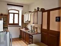 Vejminek - kuchyńka s gaučem - pronájem chalupy Krasonice
