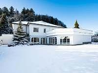 Vila Karolína v zimě - k pronájmu Štoky