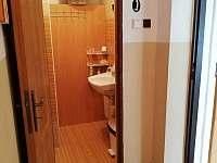 Koupelna - apatmán 1 - chalupa k pronajmutí Hroznětice