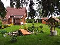 pohled do zahrady - chata k pronájmu Zdislavice