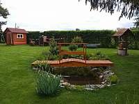 zahradní jezírko - chata k pronájmu Zdislavice