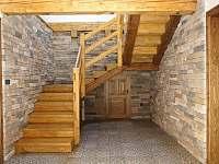 Pohádkové schodiště - chalupa k pronájmu Cejle - Hutě