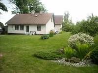 Chalupa Svratouch - pohled ze zahrady