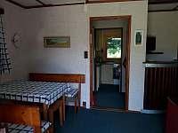 Jídelna / Společenská místnost - chata k pronájmu Vaneč