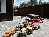 autopark pro děti - pronájem chalupy Veselý Kopec