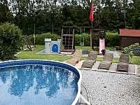 bazén - chalupa k pronájmu Veselý Kopec