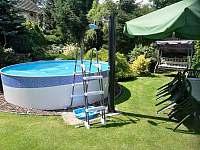 Bazén s pískovou filtrací, bez chlóru. - chalupa k pronajmutí Beranovec
