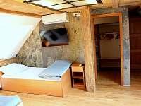 pětilůžkový pokoj