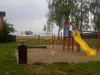 dětské hřiště - chata k pronájmu Slavětín