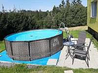 Bazén pro 10 dospělích osob na párty.Objem 9000 litrů vody.Písková filtrace. - chalupa k pronajmutí Maksičky