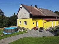 Bazén pro 10 osob ,velký gril, příjemné posezení. - chalupa ubytování Maksičky