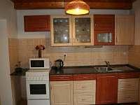 Kuchyň - chata k pronajmutí Popelištná