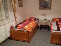 Podkroví - ložnice 2 + 1 - chalupa k pronajmutí Leštinka