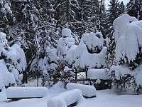 Chata v zimě - ubytování Tři Studně