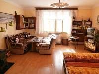 Obývací ložnice - žlutý apartmán
