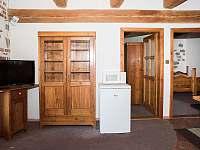 malý apartmán -vchody do ložnic - Pohořílky