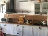 kuchyňská linka - chalupa ubytování Újezdec