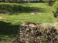 zahrada s ohništěm - chalupa k pronajmutí Újezdec