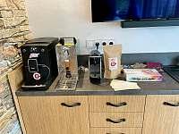 Kávovar Nivona, výčepní zařízení, káva Enzo Bencini a čaje Biogena pro Vás - chalupa k pronajmutí Kamenice u Jihlavy
