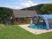 Bazén u chalupy
