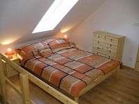 Podkrovní pokoj - ložnice 2
