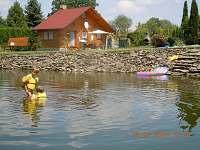 koupání v rybníku - chata k pronájmu Řemenov