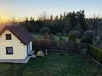 Rozlehlá zahrada - chata k pronájmu Želiv - Brtná