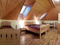 Ložnice č.5 1. NP - vedle pokoje s kuchyní - pronájem chalupy Kněževes - Veselka