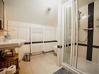 Apart. 1 - horní koupelna - chalupa k pronájmu Kamenice nad Lipou - Březí