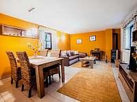 Apart. 1 - obývací pokoj - pronájem chalupy Kamenice nad Lipou - Březí
