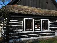 Chalupa Česká Rybná - okna na východ