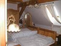 historická ložnice v podkroví