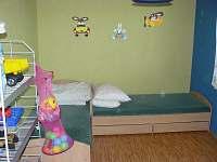 Ložnice 3 - dětský pokoj - chalupa k pronájmu Medkovy Kopce