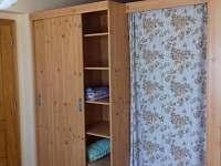 vestavná skříň - apartmán k pronájmu Vepřová