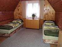 Ložnice v patře - pronájem chaty Fryšava pod Žákovou horou