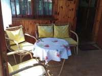 Vchod s verandou - chata k pronájmu Kamenná