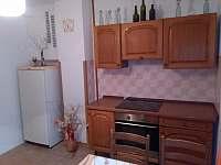 Kuchyň - chalupa k pronajmutí Budíškovice