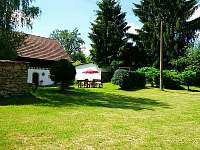 Zahrada pod dvorem - chalupa k pronajmutí Lhota-Vlasenice