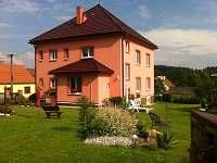 Rodinný dům na horách - okolí Těmic