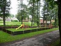 Dětské hřiště 50 m od penzionu - ubytování Nové Město na Moravě - Olešná