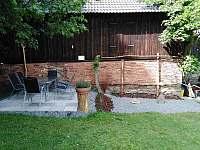 Posezení 2 na zahradě - Nové Město na Moravě - Olešná