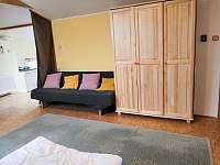 Podkroví - ložnice I - Podhořany u Ronova nad Doubravou
