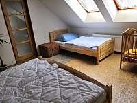 Podkroví - ložnice II - Podhořany u Ronova nad Doubravou