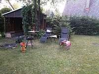 Pergola s udírnou, ohniště a posezení - chata ubytování Škrdlovice - Velké Dářko