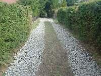 Upravená cesta k chatě