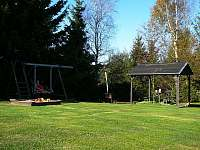 Zahrada - pronájem chalupy Fryšava pod Žákovou horou
