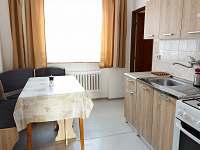 Kuchyň - chalupa k pronajmutí Nové Město na Moravě