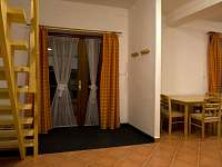 Apartmán se samostatným vstupem - k pronájmu Vlčatín